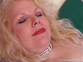 Super cute chubby old spunker fucks her fat juicy pussy for you