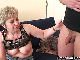 Nasty granny toying before fuck